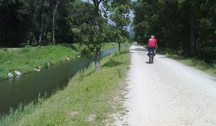 Holidays Lucca bike ride on the Serchio river