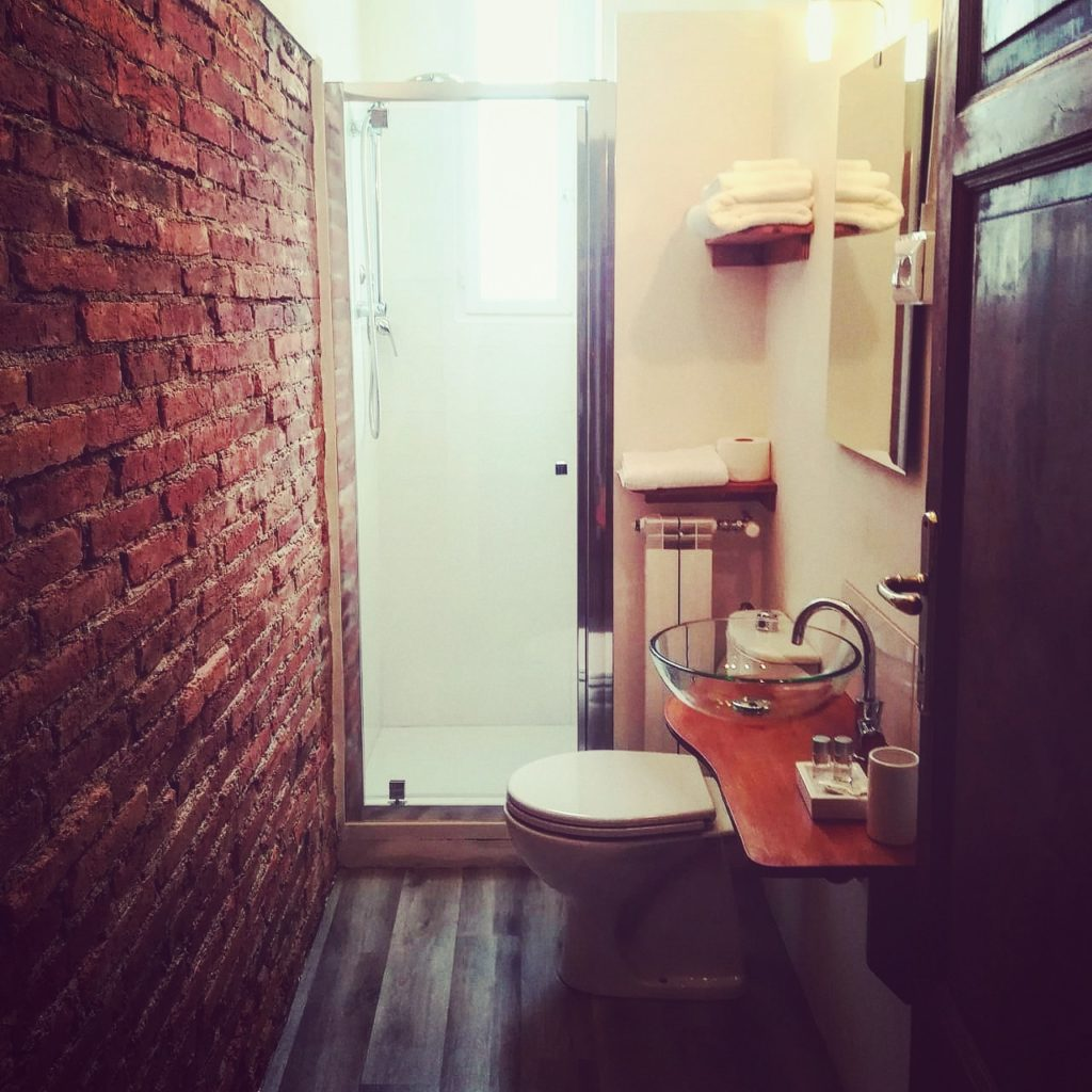 Bathroom room n. 1 single
